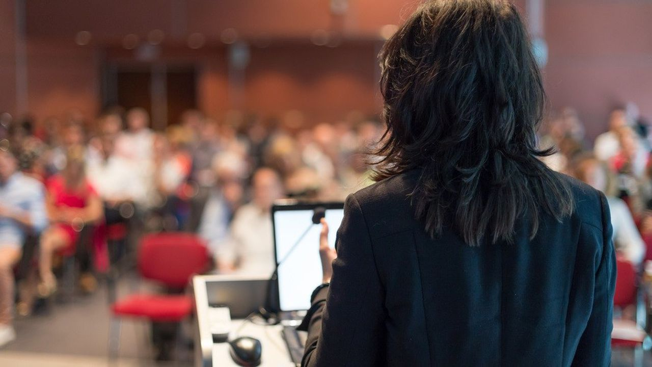 Le rôle des « ambassadeurs marque employeur » : parler de leur quotidien lors d'évènements et sur les réseaux sociaux afin de susciter les candidatures.