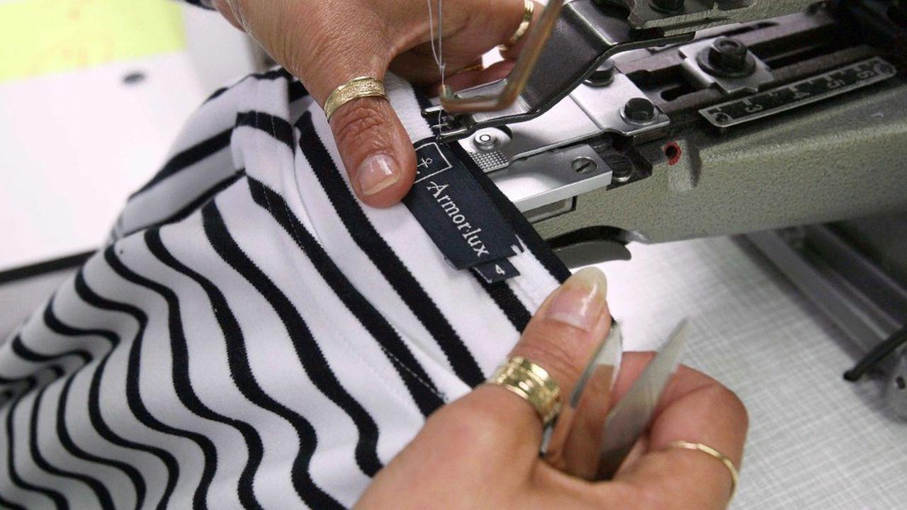 Fondée à Quimper en 1938, Armor Lux produit des vêtements de coton équitable , et est auditée dans les mêmes conditions que ses fournisseurs, avec un conviction :« la RSE est un investissement ».