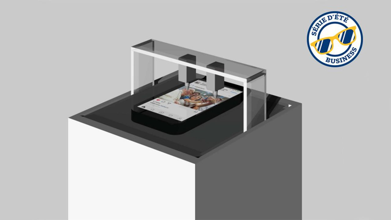 «La Likerie» est une installation s'inspirant des fermes à clics, ces gigantesques open spaces où des humains «likent» des contenus contre rémunération et sans sentiments.