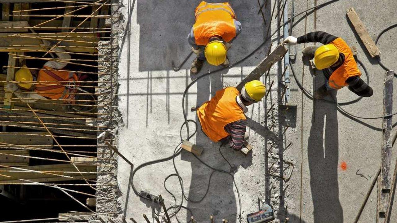 Imaginée par un élu d'Angoulême, la clause vise également, selon ses promoteurs, à garantir la sécurité sur les chantiers.