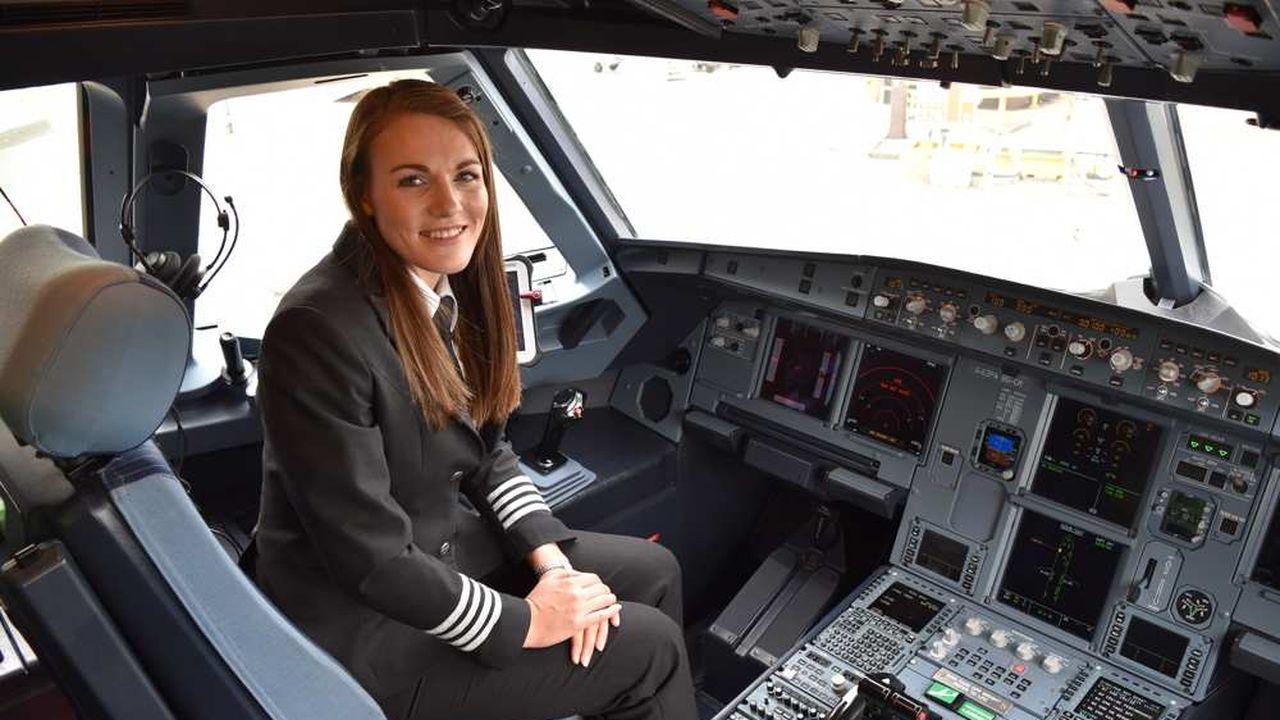 Kate McWiliams, 26 ans, la plus jeune commandante de bord au monde, pilote pour easyJet.