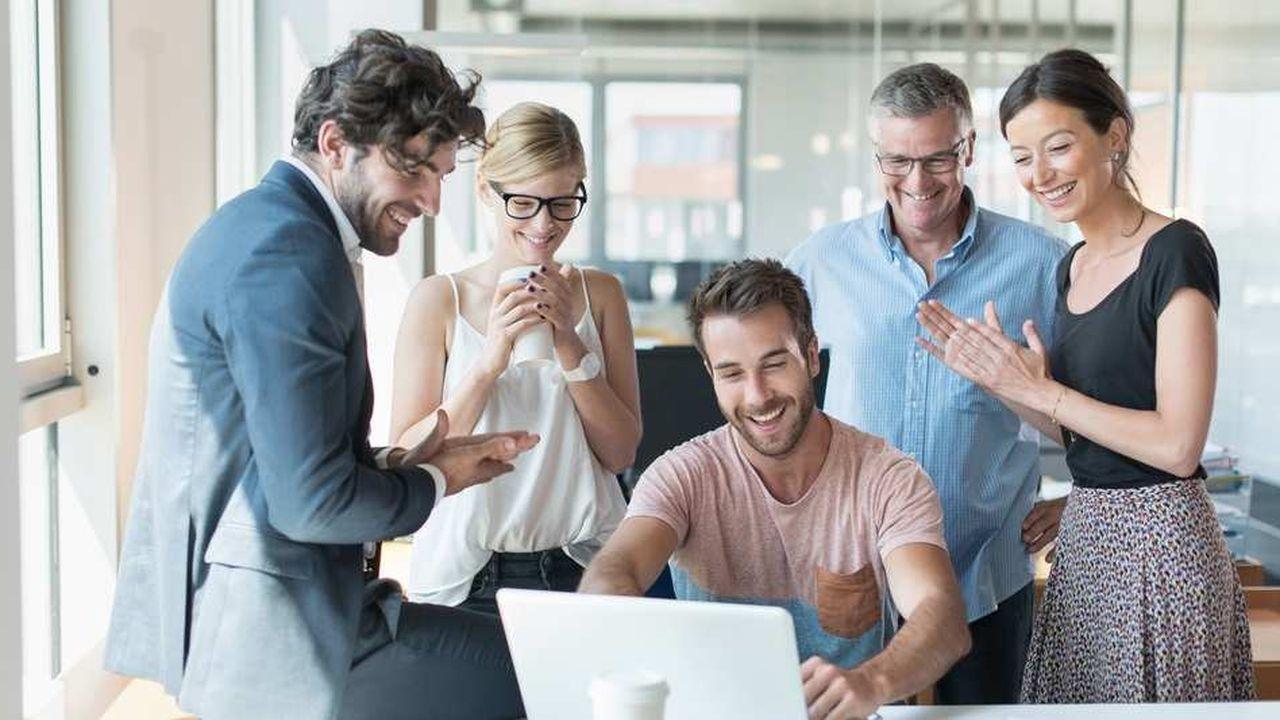 Pour mettre en œuvre l'holacratie, il faut un engagement permettant de changer le type même des réunions et l'emploi du pouvoir au quotidien