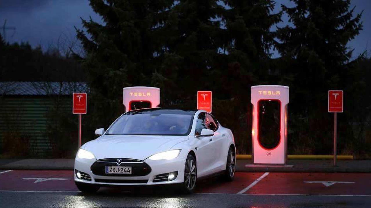 Très innovantes, les voitures électriques Tesla sont équipées d'un mode «Autopilot» loin d'être infaillible.