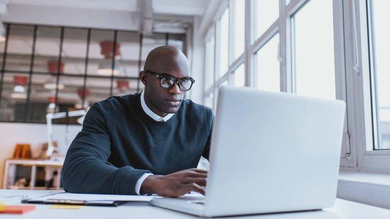 Les salariés français utilisent la connexion Internet de leur entreprise à titre personnelle pour consulter des blogs, des forums, des vidéos et des médias d'actualité.