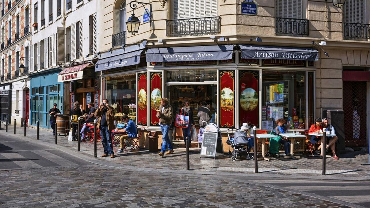 Des commerces de proximité, à Paris.