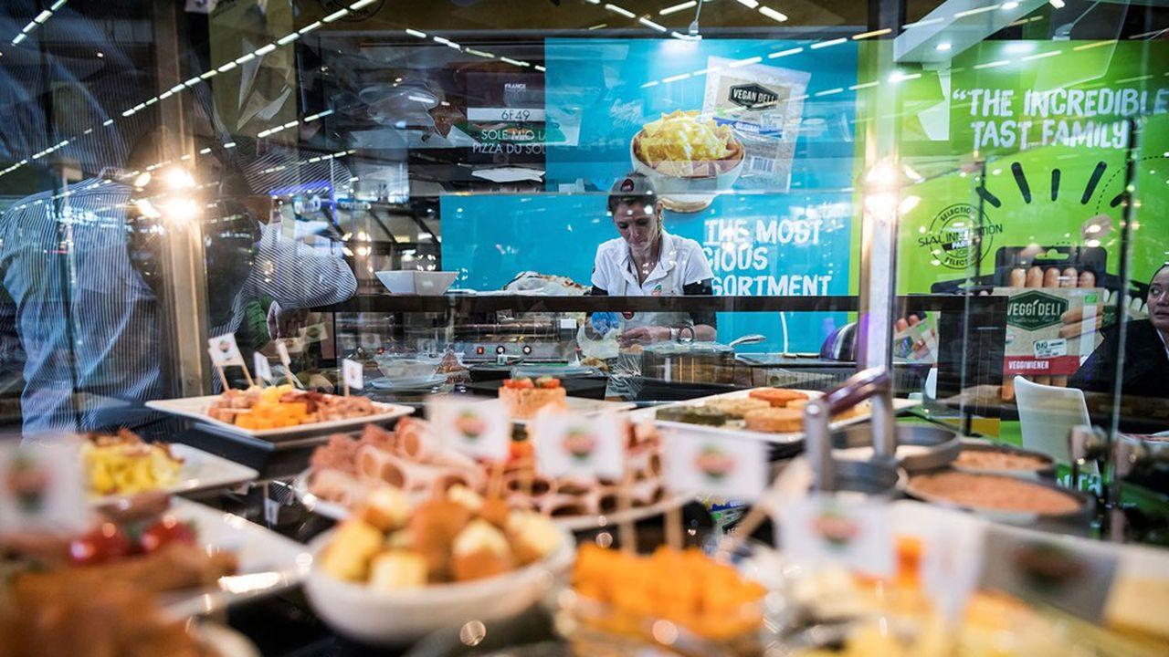 Le SIAL (Salon international de l'Alimentation), plus gros salon professionnel avec plus de 200.000 visiteurs accueillis à Paris Nord Villepinte, est reporté à octobre2022.