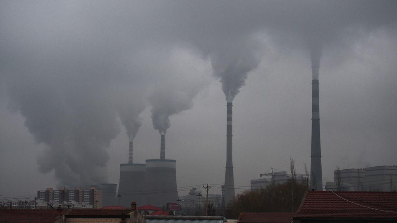 La Chine, qui émet environ 28% du dioxyde de carbone mondial, va devoir clarifier sa politique énergétique, marquée par un recours accru au charbon ces derniers temps.