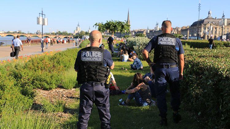 La police municipale de Bordeaux est désormais équipée de Taser.