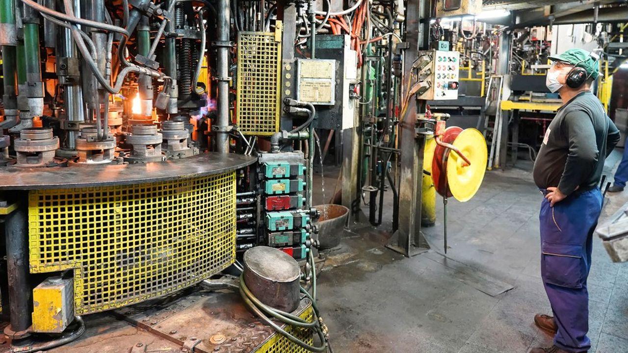 L'Insee note que «les industriels sont moins optimistes qu'en août sur la production à venir».