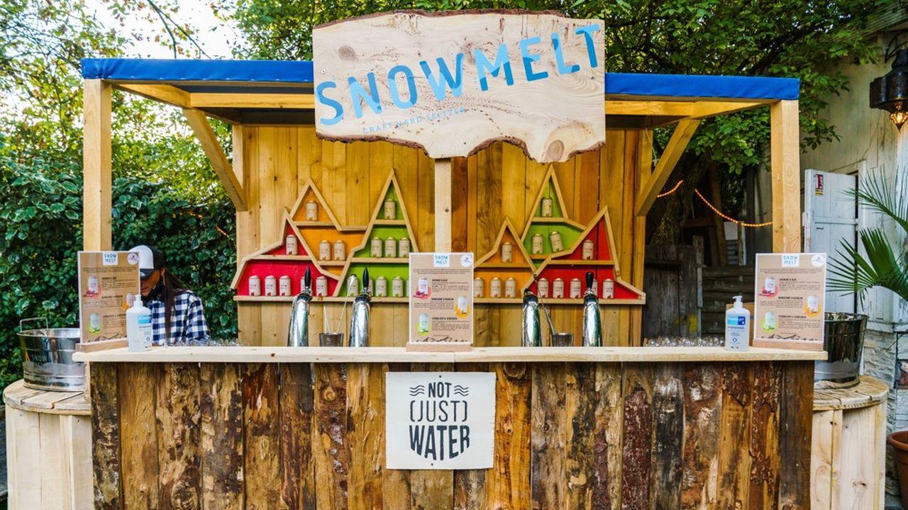 Le lancement de l'Hard Seltzer Snowmelt issu des Rocheuses du Colorado, a été imaginé dans des événements évoquant l'outdoor et les grands espaces.