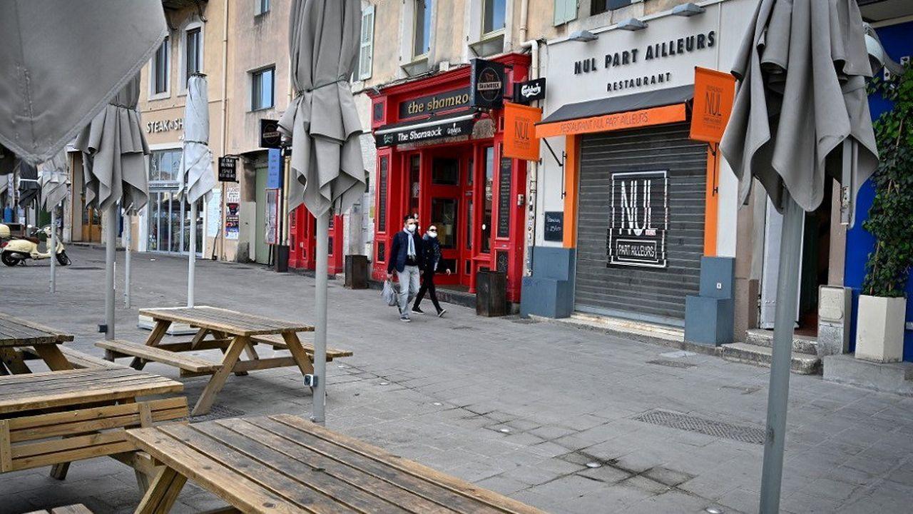 Le gouvernement a annoncé la fermeture des bars et restaurants à partir de lundi au sein de la métropole d'Aix-Marseille.
