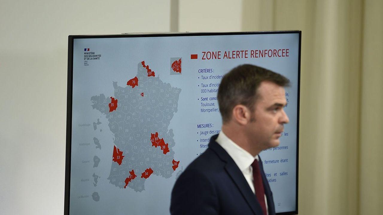 Les mesures restrictives annoncées par le ministre de la Santé mercredi soir ont provoqué l'ire des élus à Marseille et des critiques sur la concertation à Paris.