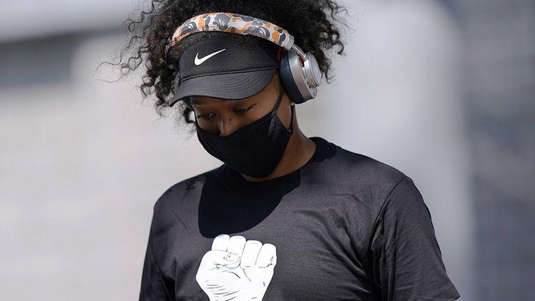 Naomi Osaka, engagée contre les injustices raciales, tente de faire bouger les lignes.
