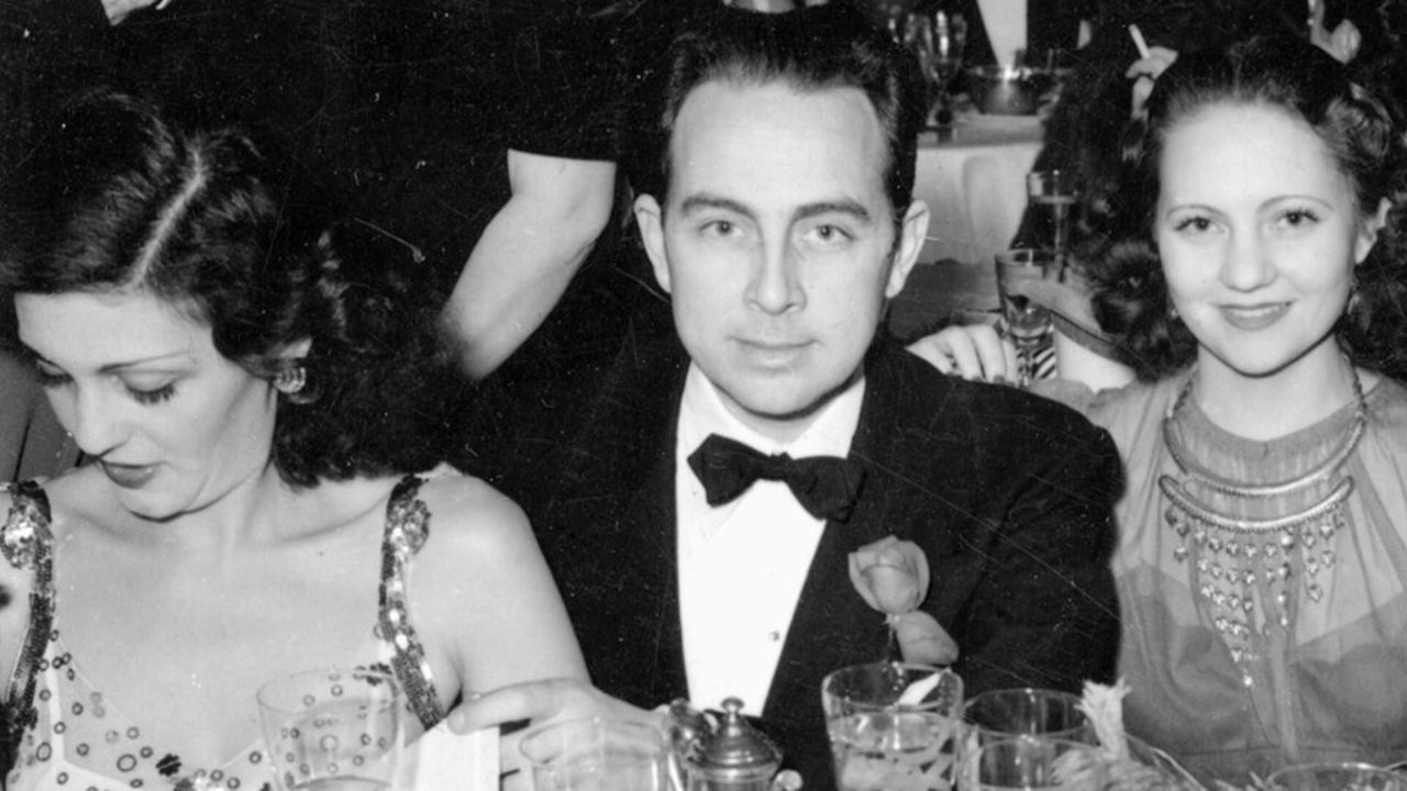 """Raymond Hakim.  Lui e suo fratello Robert hanno prodotto in particolare """"Golden Helmet"""" e """"Belle de jour""""."""