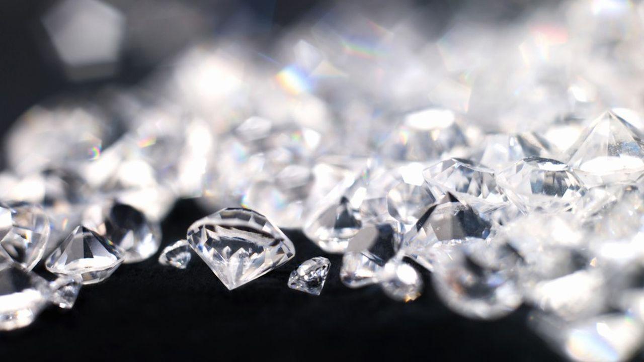 De Beers a baissé de 10% le prix de ses diamants lors de la vente de septembre.
