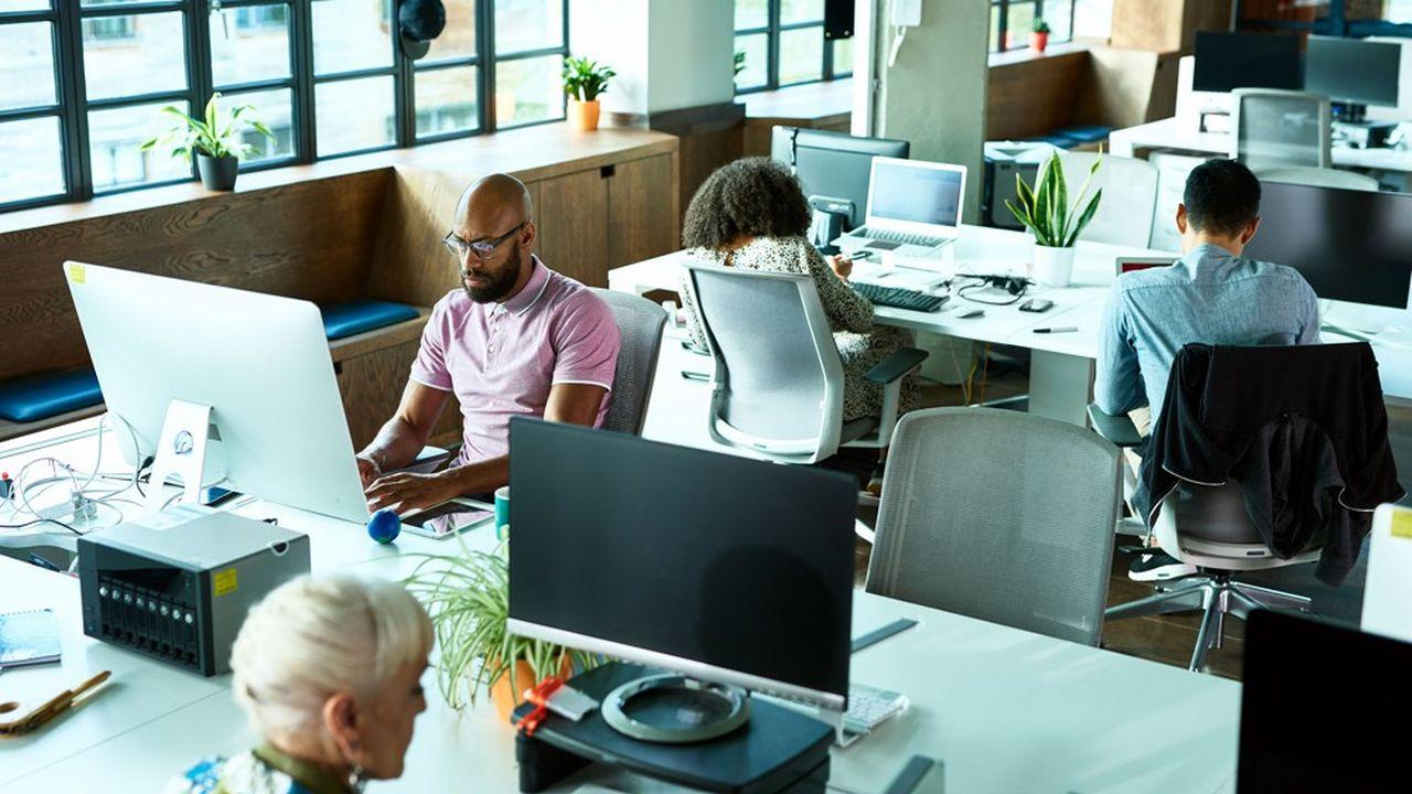 Les grandes entreprises se posent la question d'ouvrir des locaux de proximité de 100 à 300 mètres carrés dans les endroits stratégiques. De quoi limiter les temps de transport des salariés.