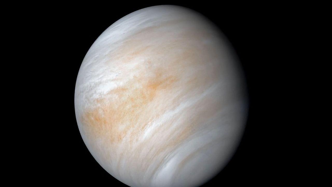 Longtemps dédaignée par les agences spatiales, Vénus, notre plus proche voisine dans le Système solaire, se retrouve subitement sous les feux de l'actualité.