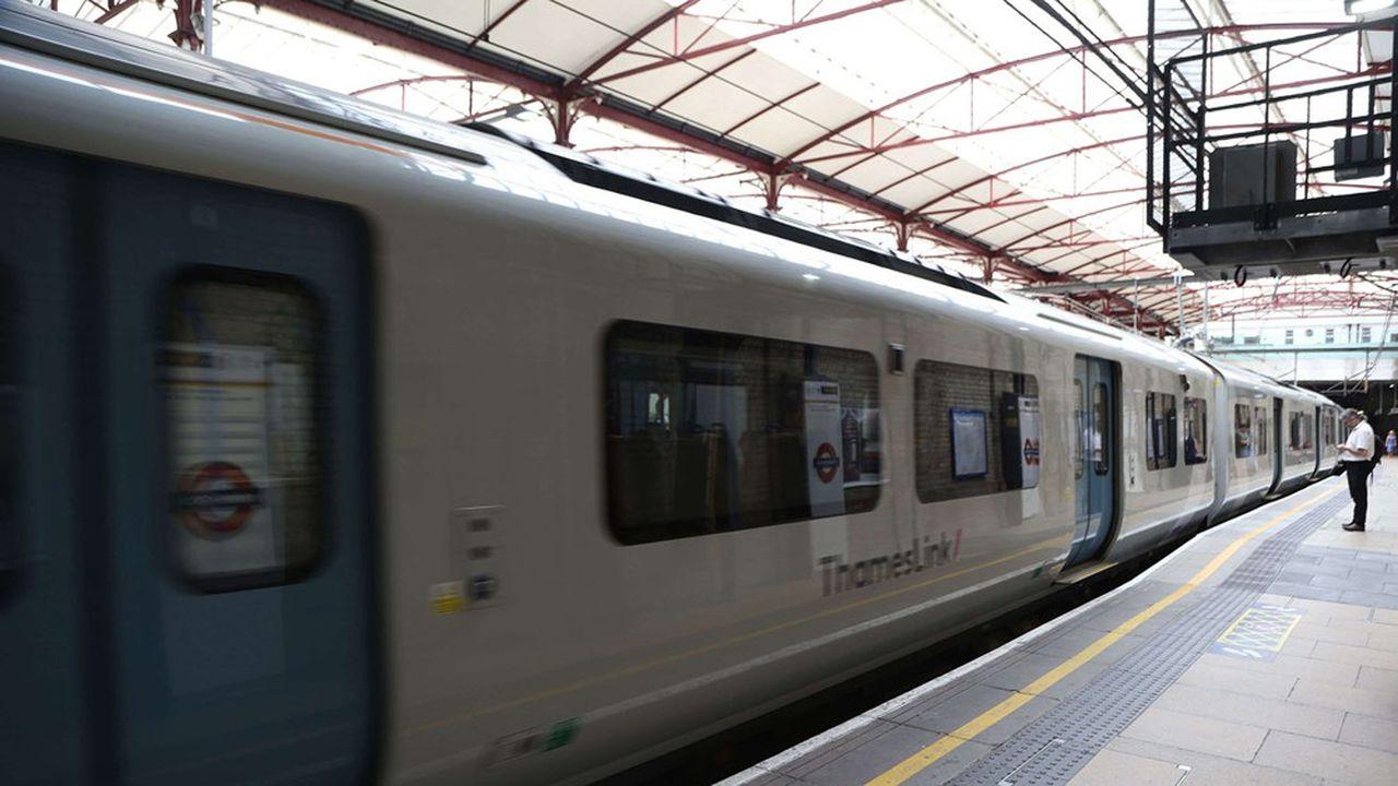 Keolis, la filiale de la SNCF, exploite deux franchises autour du Grand Londres, Thameslink et Southeastern, en partenariat avec Go-Ahead à travers leur société commune Govia.