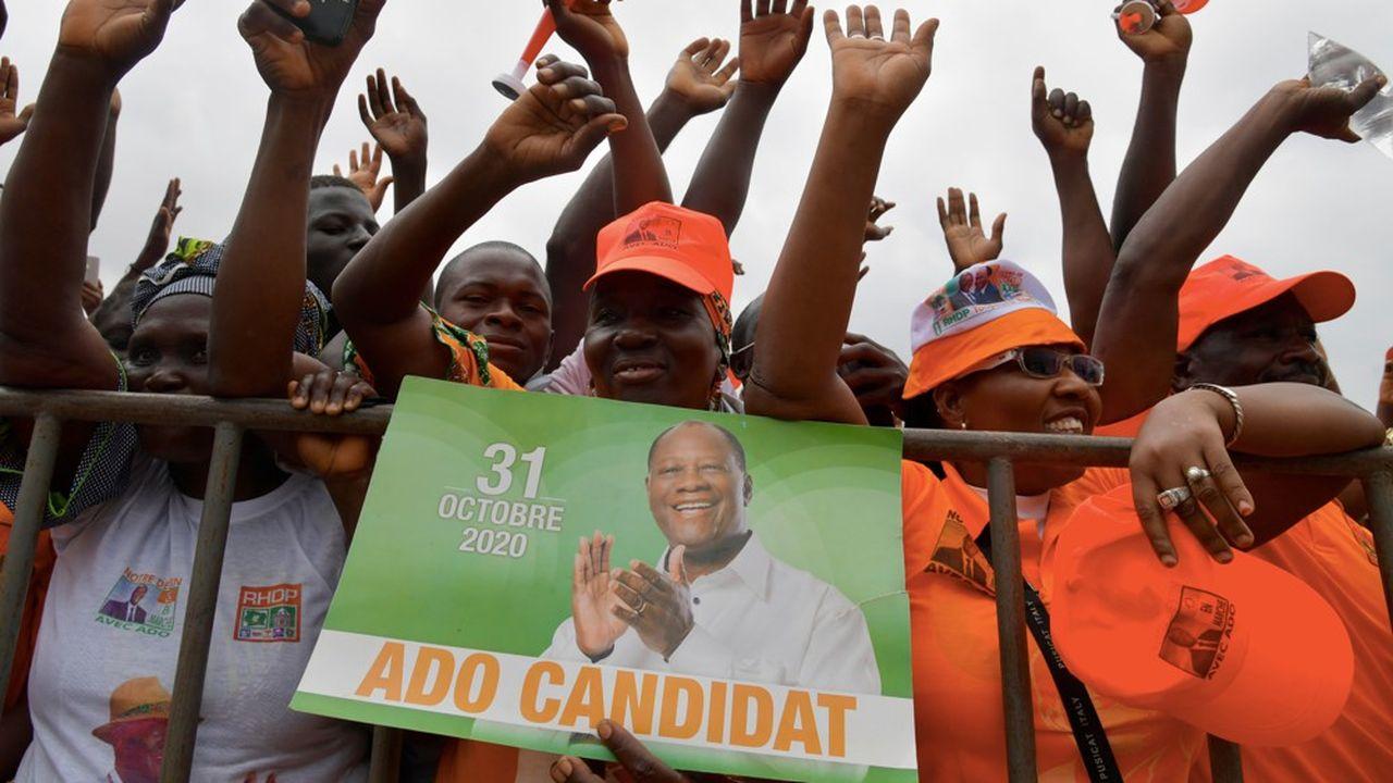 Sur un total de 44 dossiers de candidatures à la présidentielle, le Conseil constitutionnel n'en a finalement validé que quatre. Dont celui d'Alassane Ouattara qui veut se succéder à lui-même.