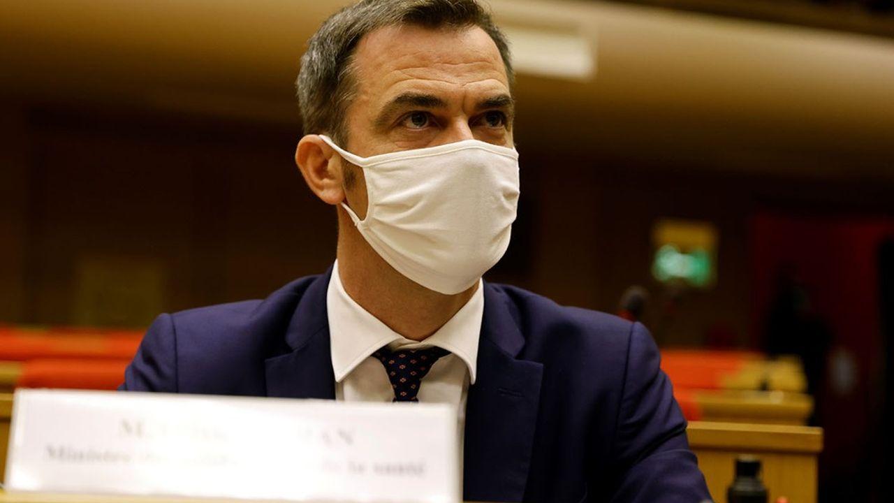 Le ministre de la Santé, Olivier Véran, s'apprête à présenter un projet de budget de la Sécurité sociale en déficit de 27milliards d'euros.