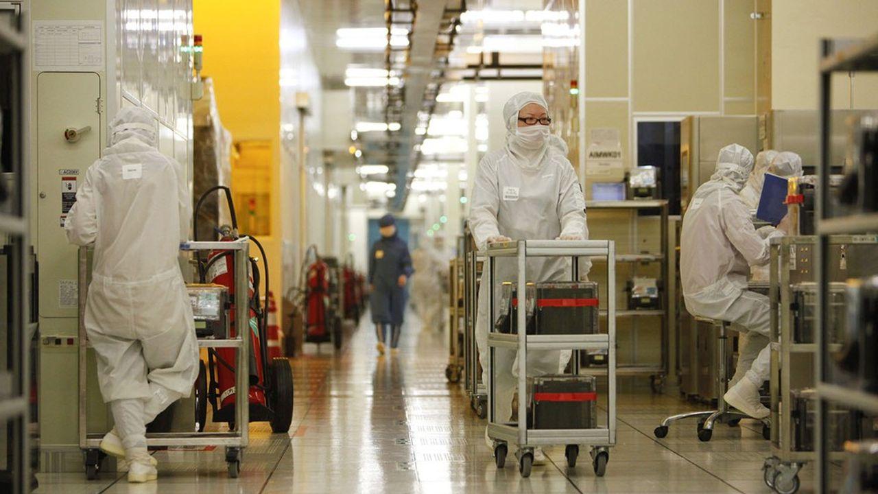 Le département américain du Commerce a adressé, vendredi, un courrier, à des entreprises américaines pour leur dire que la vente de leurs produits à SMIC présentait des risques de sécurité nationale inacceptables.