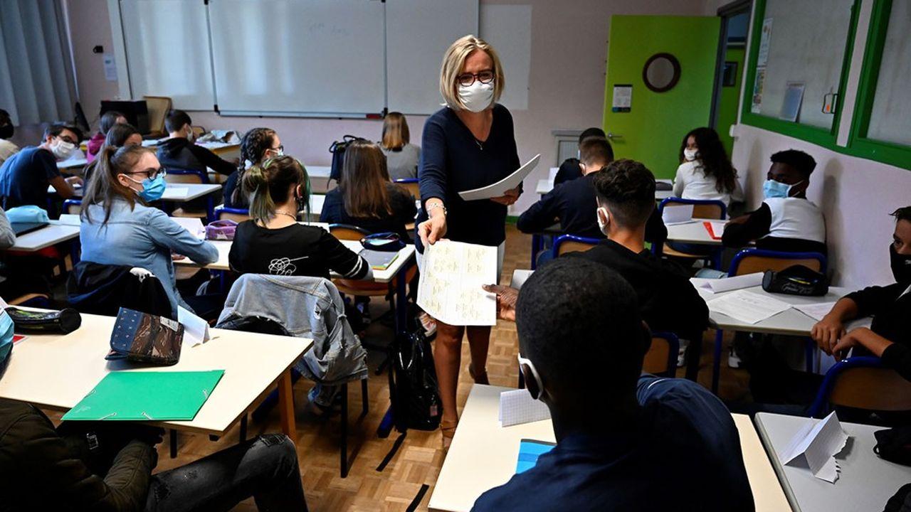 Jean-Michel Blanquer a promis un «Grenelle des professeurs» pour revaloriser le salaire des enseignants, avec un budget de 400millions d'euros pour 2021 qui sera porté à 500millions en année pleine.