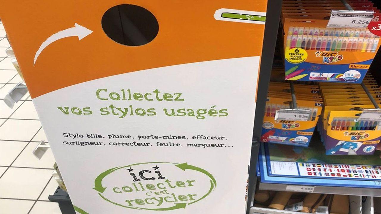 Pour aller au-delà de la collecte annuelle de 50millions de stylos, un partenariat a été conclu avec des supermarchés.