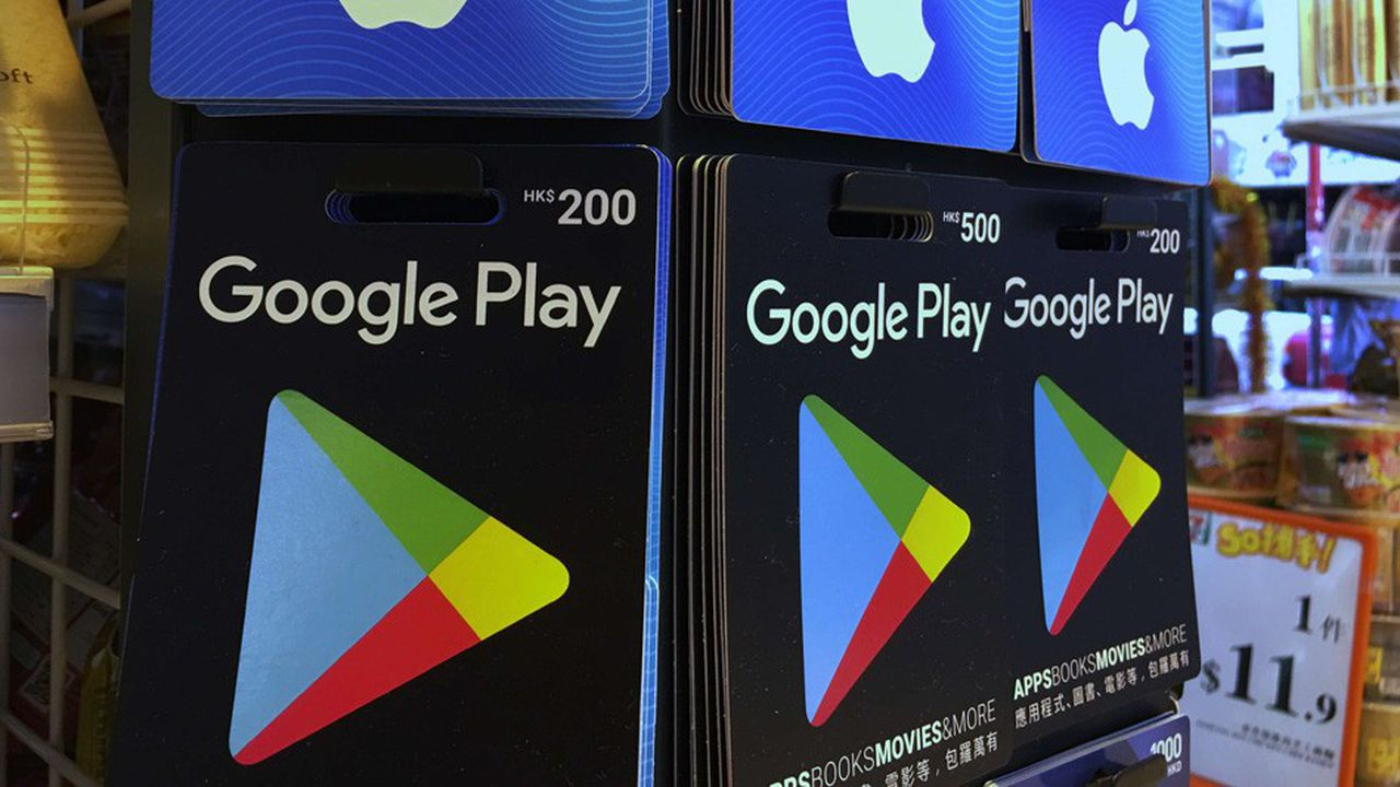 Google est moins critiqué qu'Apple parce qu'il autorise des magasins d'applications autres que le sien sur Android, son système d'exploitation.