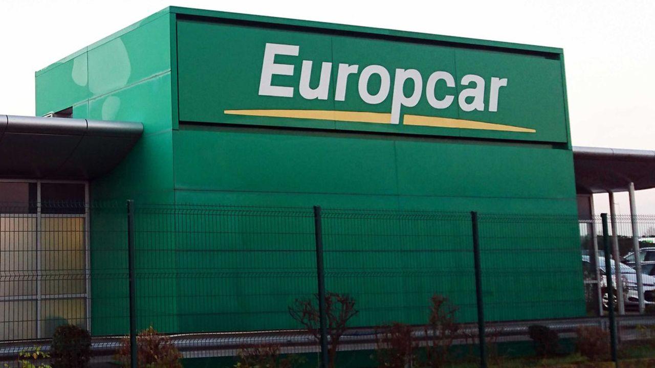 Quatre mois après avoir obtenu un prêt de 220 millions d'euros garanti à 90 % par l'Etat, Europcar a demandé l'ouverture d'une procédure de restructuration sur ses 2 milliards d'euros de dette.