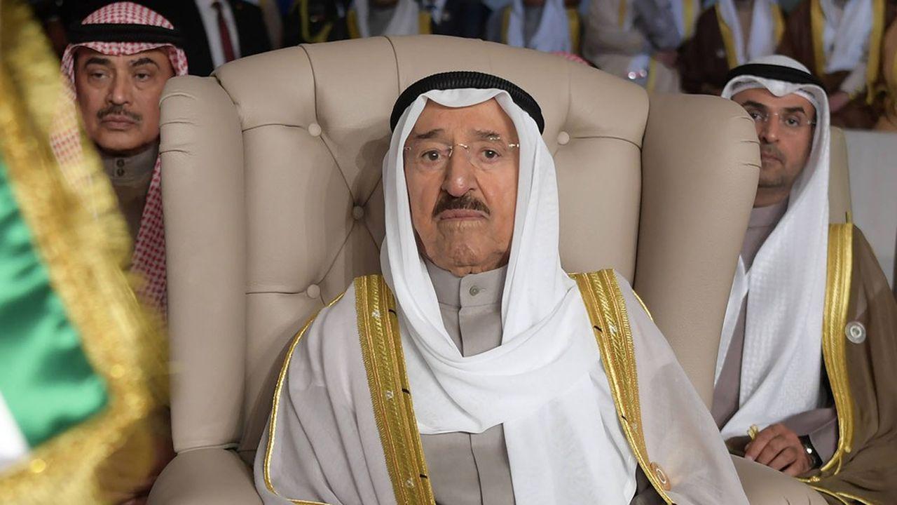 Cheikh Sabah Al-Ahmad Al-Sabah est issu d'une famille qui a gouverné le Koweit depuis 250 ans.