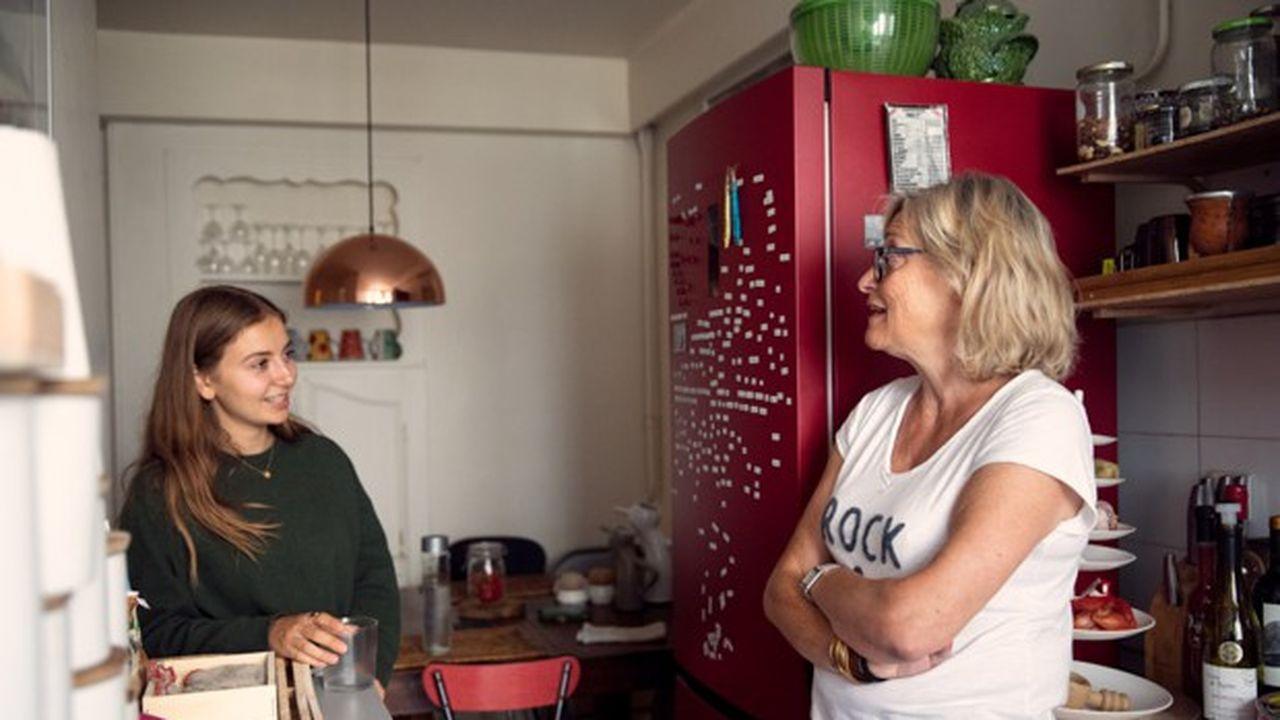 La start-up Colette met en relation des moins de 30 ans à la recherche d'un logement avec des seniors qui disposent d'une chambre libre dans leur maison ou appartement.