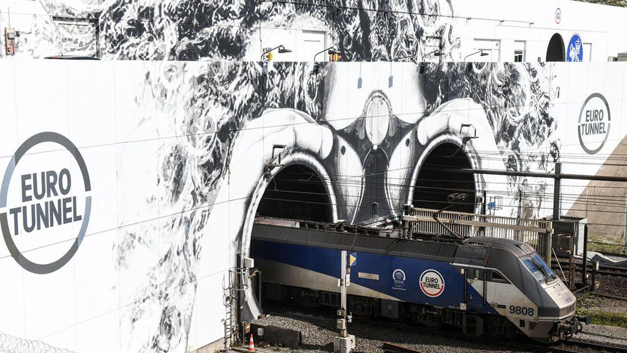 Sur le détroit entre Calais et le Kent, Eurotunnel se targue face aux ferries d'une part de marché de 40% sur le trafic de marchandises.