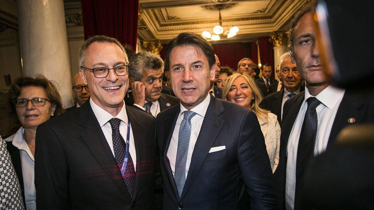 Harmonie retrouvée entre la Confindustria et le gouvernement italien à l'occasion de l'Assemblée annuelle de l'organisation patronale. Photo: le président du Conseil, Giuseppe Conte, et le nouveau patron des patrons italiens, Carlo Bonomi.