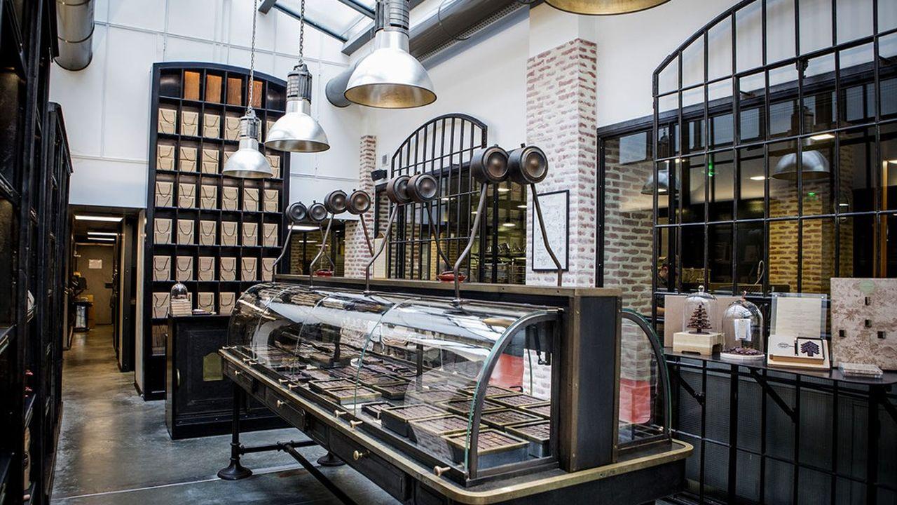 Ducasse Paris a démarré en 2013 l'activité de ses manufactures, en commençant parle chocolat.