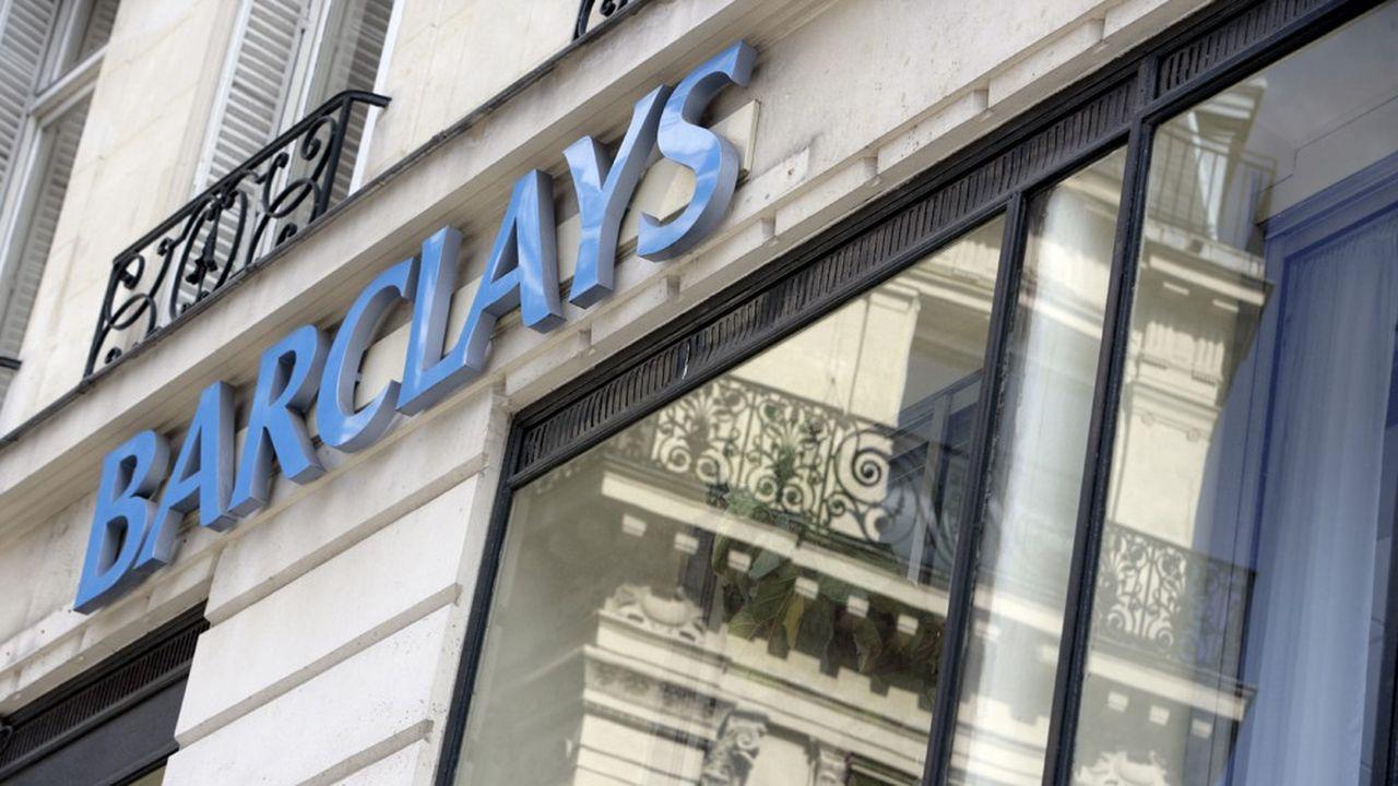 Barclays a averti ses clients ayant un compte en Espagne, en France ou encore en Belgique, que leur carte de crédit serait résiliée à partir du 16novembre, à moins qu'ils ne fournissent d'ici là une adresse de résidence au Royaume-Uni.