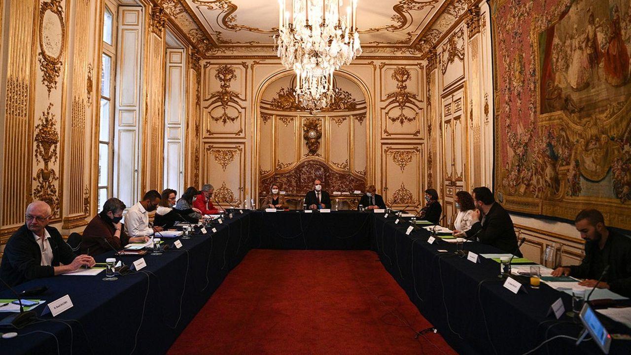Le Premier ministre Jean Castex a reçu avec la ministre de la Transition écologique Barbara Pompili des citoyens de la Convention pour le climat pour la deuxième fois depuis juillet.