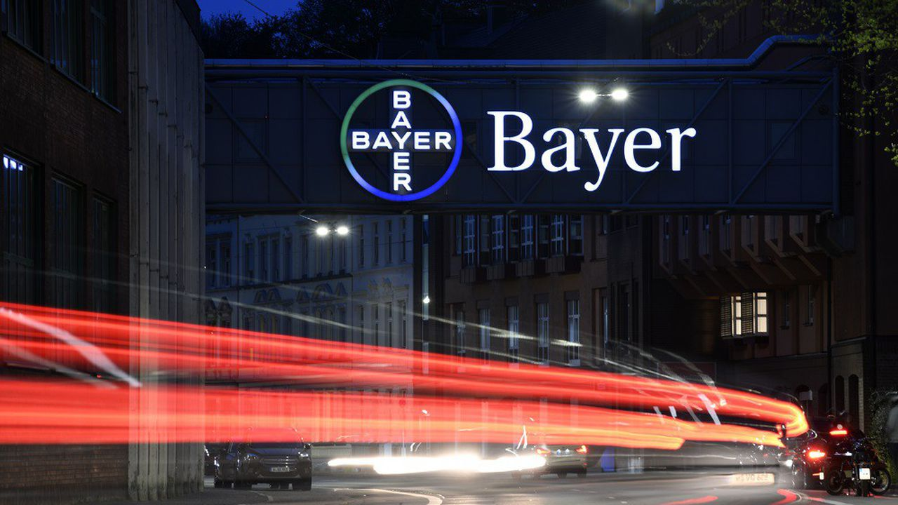 Bayer va passer de lourdes dépréciations dans sa division agrochimie.
