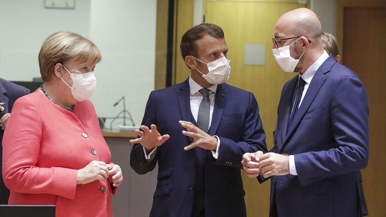 Le sommet a été décalé d'une semaine en raison d'une suspicion de Covid-19 concernant le président du Conseil européen, Charles Michel (à droite).
