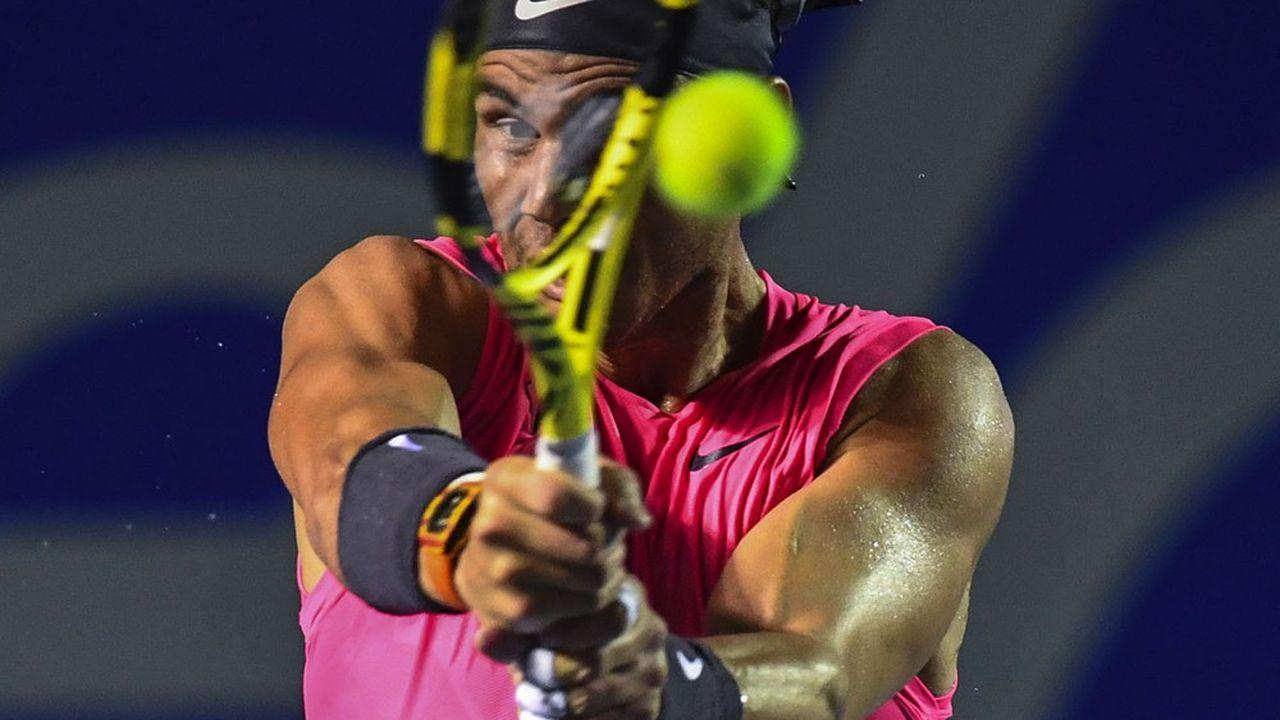 Le joueur de tennis Rafael Nadal à l'offensive (au Mexique, le 28 février dernier). (Photo by PEDRO PARDO / AFP)