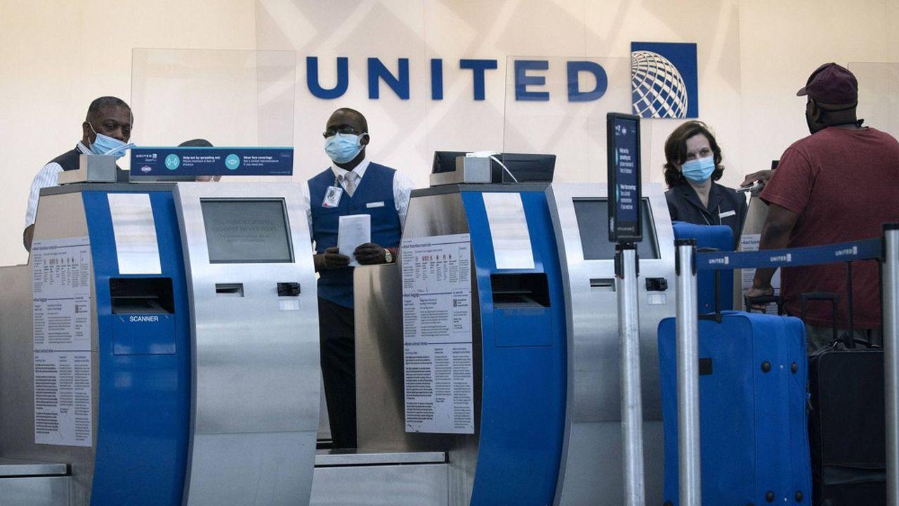 United confirme le licenciement de 13.000 salariés — Aérien