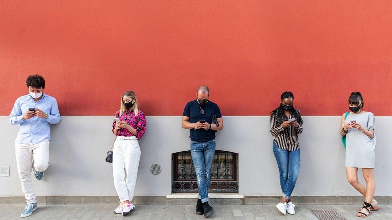 En France, les premières commercialisations de forfaits 5G pourraient arriver dans certaines villes fin 2020.