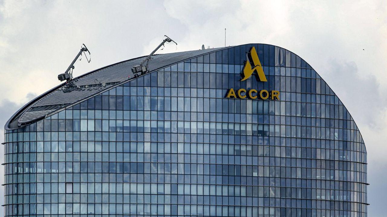 La nouvelle organisation d'Accor fait suite à la volonté de son PDG, Sébastien Bazin, de simplifier le fonctionnement du groupe et d'alléger sa ligne hiérarchique.