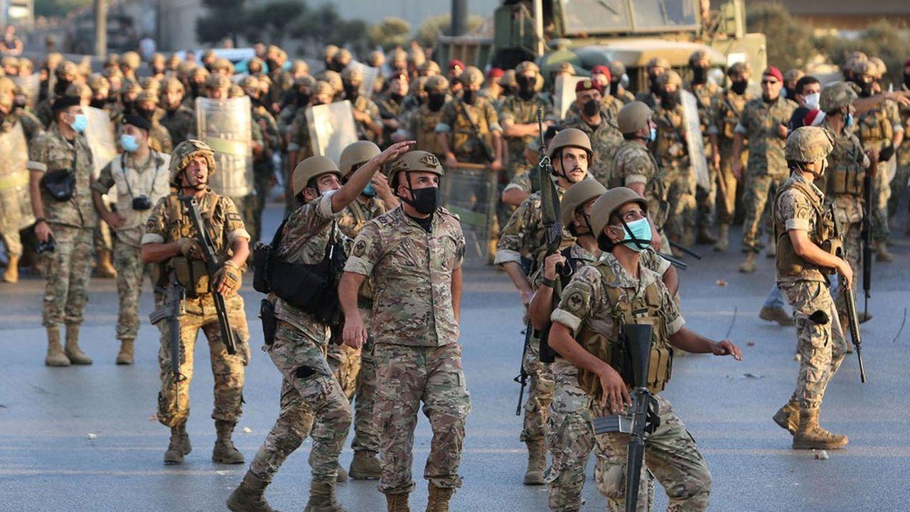 Des soldats libanais sont déployés près du palais présidentiel à l'occasion de manifestations contre le gouvernement, mi-septembre.Aziz Taher/REUTERS