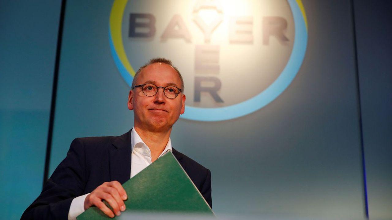 La chute continue de Bayer en bourse menace toujours plus le poste du patron de Bayer, Werner Baumann