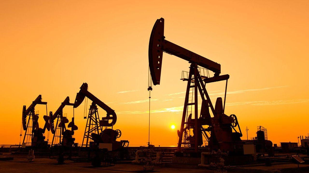 La consommation de pétrole a chuté de 7 à 8millions de barils par jour en moyenne en 2020.
