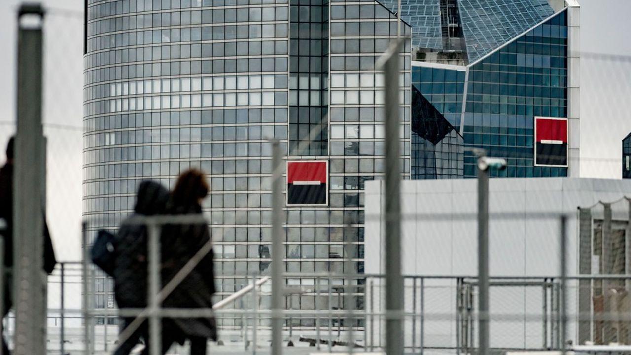 Perçu comme une cible potentielle, Société Générale se voit en consolidateur en Europe.