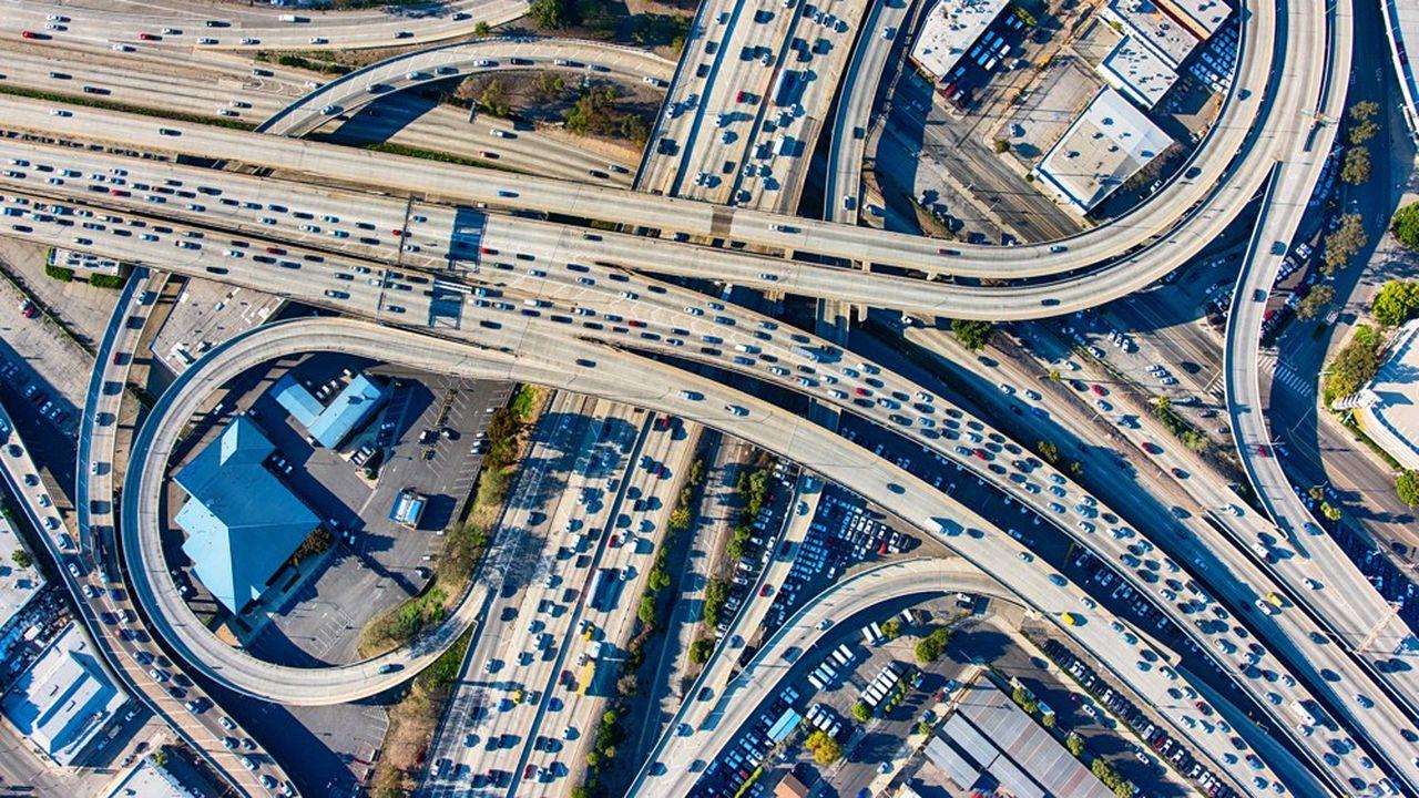En 2020, la crise du Covid-19 devrait faire chuter les ventes de véhicules particuliers et d'utilitaires de 23,7% dans l'UE et de 17,9% aux Etats-Unis.