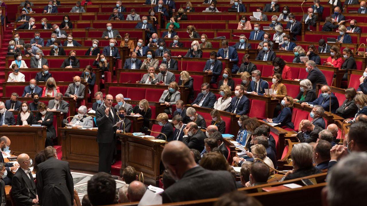 Les députés ont adopté par 26 voix pour, 17 contre et 3 abstentions le projet de loi de prorogation.
