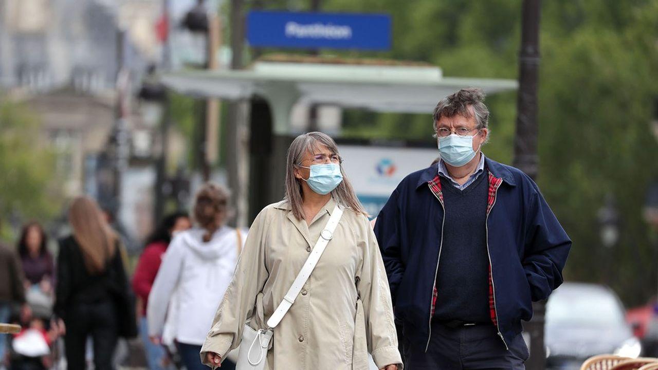 A Paris, le taux d'incidence sur sept jours était jeudi de 261 cas pour 100.000 habitants dans Paris, au-dessus du seuil fixé à 250.