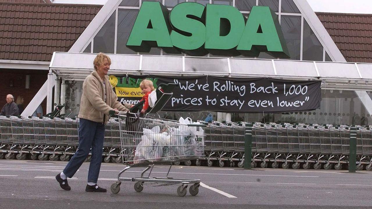 Asda est le numéro trois de la distribution britannique derrière Sainsbury's et Tesco.
